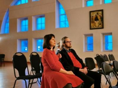 С прогона к спектаклю. Фото В. Жукова.